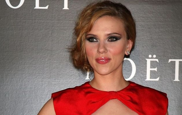 Beyond Scarlett: Nude Celebrity Cellphone Pic Investigation Widening