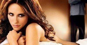Jennifer Love Hewitt Gets Boob-Jobbed