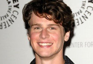Which Star is 'Glee' Cutie Jonathan Groff Dating?