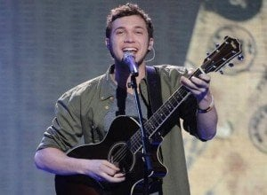 'American Idol' Finalist Phillip Phillips Talks Emergency Surgery, Teases 'Sexy' Wardrobe Change