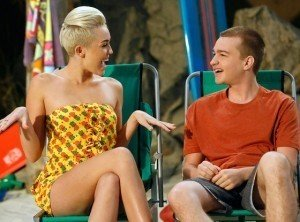Miley Cyrus Makes an Impression on the Set of 'Two and a Half Men'