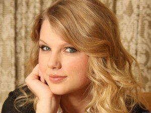 Taylor Swift Passed Up for 'Les Miserables' Role: Hear the Girl Who Beat Her