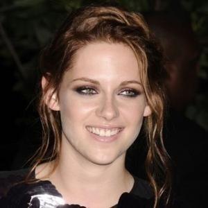 Fake Kristen Stewart Explains the Affair