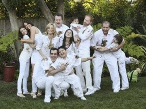 'Modern Family' Cast Settles, Season 4 is a Go