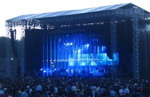 One Dead After Stage Collapse at Radiohead Concert