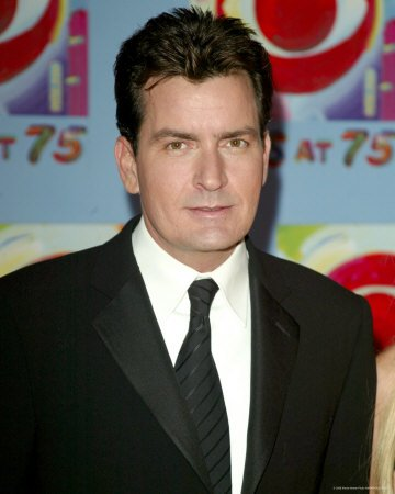 Charlie Sheen Escapes Charges From NYC Hoooker and Cocaine Scandal