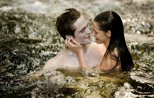 'Breaking Dawn': Watch 10 Full Minutes of Behind-the-Scenes Footage