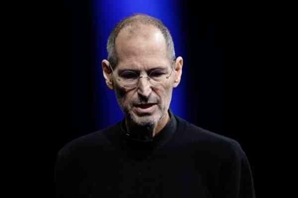 Barbara Walters Names Steve Jobs 'Most Fascinating Person of 2011'