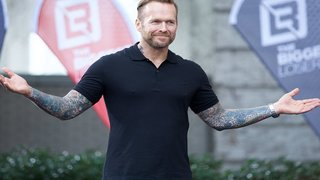 Watch The Biggest Loser Season 17 Episode 1 - Money Hungry Online