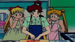Watch Sailor Moon Season 201 Episode 20 - Usagi's Parental Lov... Online