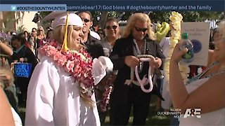 Watch Dog The Bounty Hunter Season 8 Episode 18 - Bus Stop Bruiser Online