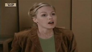 Watch Beverly Hills 90210 Season 10 Episode 22 - The Easter Bunny Online