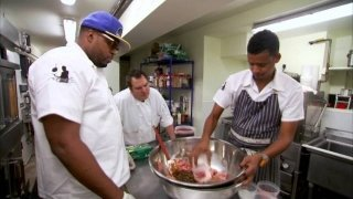 Watch Chef Roble & Co. Season 2 Episode 3 - Blood, Sweat and Pol... Online
