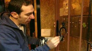 Watch Home Again with Bob Vila Season 15 Episode 24 - Manhattan Remodel an... Online