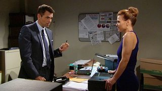 Watch The Young and the Restless Season 44 Episode 34 - Tues, Oct 18, 2016 Online