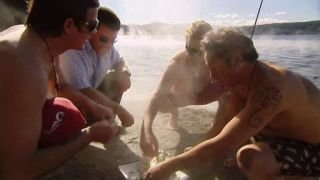 Watch Surfing the Menu Season 4 Episode 5 - Bay of Plenty and Ro... Online