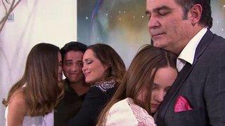 Watch La Rosa de Guadalupe Season 1 Episode 454 - La Familia del a�o Online