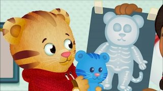 Watch Daniel Tiger's Neighborhood Season 6 Episode 1 - Miss Elaina Gets Hur... Online