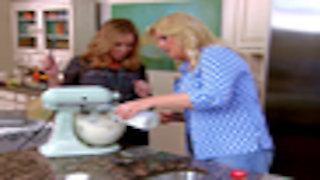 Watch Trisha's Southern Kitchen Season 1 Episode 2 - Girlfriends Online