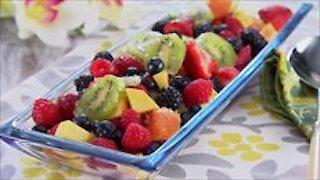 Watch Trisha's Southern Kitchen Season 3 Episode 22 - Staycation Online