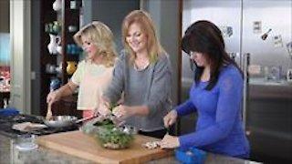 Watch Trisha's Southern Kitchen Season 4 Episode 9 - Make-Ahead Meals Online
