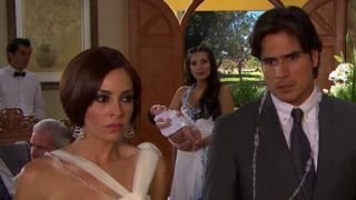 Watch Corazon Indomable Season 1 Episode 96 - Incomodidad en la Bo... Online