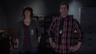 Watch Brooklyn Nine-Nine Season 5 Episode 17 - DFW Online