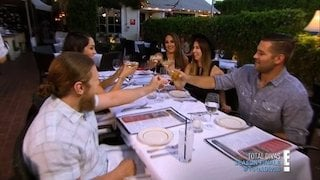 Watch Total Divas Season 4 Episode 13 - Return of the Ex Online