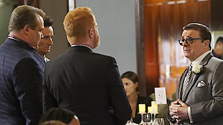 Watch Modern Family Season 7 Episode 15 - I Don't Know How She... Online