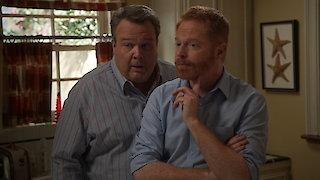 Watch Modern Family Season 7 Episode 19 - Man Shouldn't Lie Online