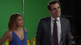 Watch Modern Family Season 8 Episode 4 - Weathering Heights Online