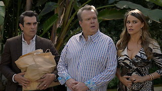 Watch Modern Family Season 8 Episode 8 - The Alliance Online