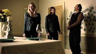 Watch Bitten Season 3 Episode 8 - Tili Tili Bom Online