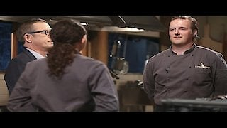Watch Chopped Season 32 Episode 13 - Whiskey And Wings Online
