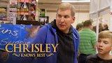 Watch Chrisley Knows Best - Chrisley Knows Best Season 6, Episode 14 Sneak Peek: Todd Freaks Out Over A Giant Lizard Online