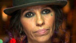 Watch Behind The Music Season 14 Episode 1 - Linda Perry Online
