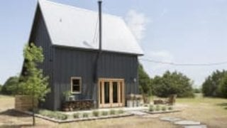 Watch Fixer Upper Season 5 Episode 9 - A Modern Cabin Makeo...Online