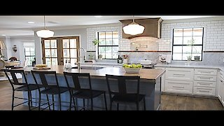 Watch Fixer Upper Season 4 Episode 12 - Space In The Suburbs...Online