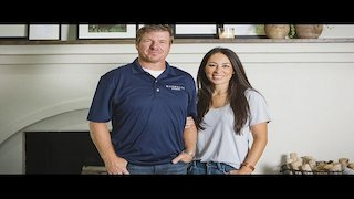 Watch Fixer Upper Season 4 Episode 14 - New Chance at a Coun...Online