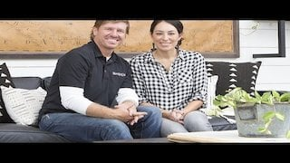 Watch Fixer Upper Season 4 Episode 17 - The Colossal Crawfor...Online