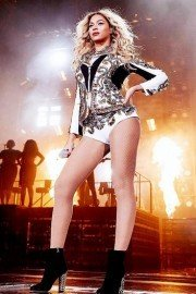 Beyonce: X10: The Mrs. Carter Show World Tour