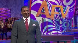 Watch America's Funniest Home Videos Season 26 Episode 19 - Sneezes, Dog Park, a... Online