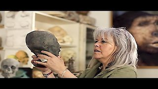 Watch Expedition Unknown Season 5 Episode 8 - Egypt's Lost Queens Online
