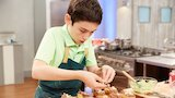 Watch Kids Baking Championship - Ryan's Snail Cream Puffs Online