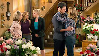 Watch Fuller House Season 1 Episode 9 - War of the Roses Online