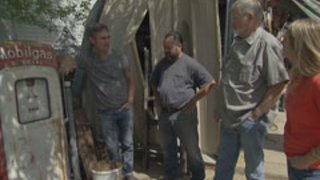 Watch American Pickers Season 9 Episode 42 - Who's the Rarest of ... Online