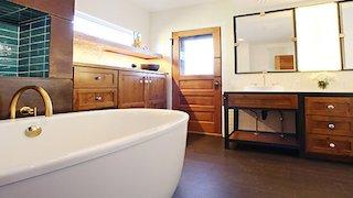 Watch Bath Crashers Season 9 Episode 6 - Mile High Ceiling Online