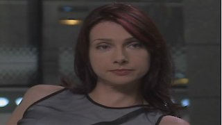 Watch La Femme Nikita Season 5 Episode 4 - All the World's a St... Online