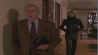 Watch La Femme Nikita Season 5 Episode 5 - The Man Behind the C... Online