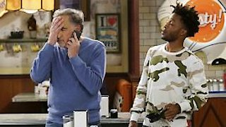 Watch Superior Donuts Season 2 Episode 17 - Balls and Streaks Online